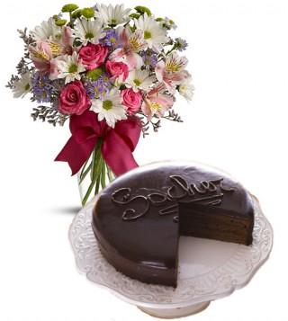 consegna-torta-sacher-con-fiori-misti