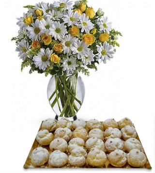 bigne-alla-crema-con-bouquet-di-margherite-e-roselline