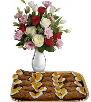 cannoli-siciliani-con-bouquet-di-roselline-delicate