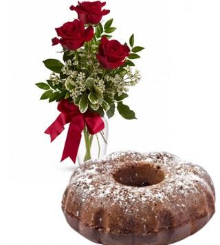 ciambella-al-cacao-con-tre-rose-rosse