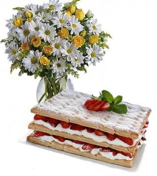 consegna-torta-mille-foglie-bouquet-margherite