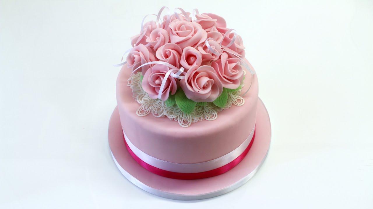Decorare Una Torta Con Un Bouquet Di Fiori Consegna Torta A