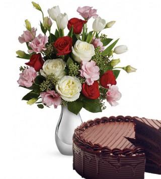 bouquet-roselline-con-torta-al-cioccolato