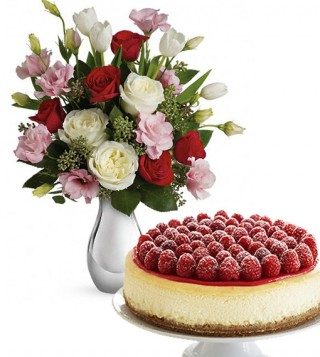 cheesecake-con-bouquet-di-roselline