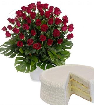 torta-alla-crema-con-bouquet-di-50-rose-rosse