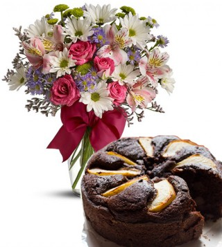torta-cioccolato-e-pere-con-bouquet-beautiful