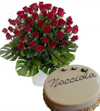 torta-crema-nocciola-con-bouquet-di-50-rose-rosse