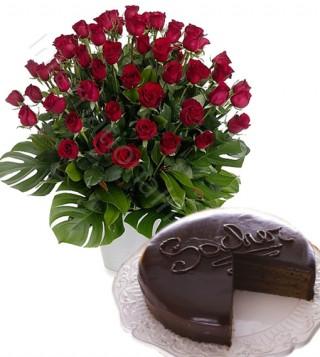 torta-sacher-con-bouquet-di-50-rose-rosse